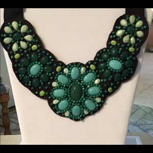 Stella and Dot Cortez Bib Necklace